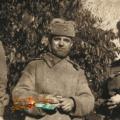 Файл-2.Бигвава Акакий Константинови,в центре,с сослуживцами 1940-е гг